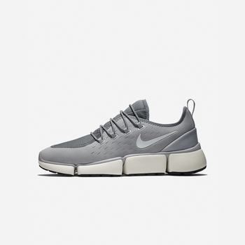 Nike Pocket Fly DM - Gri